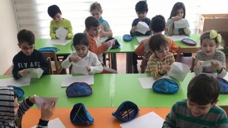 Fatih Okyanus Koleji Okul Öncesi Yıldızlar Grubu Sanat Dersinde