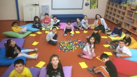 Güneşli Okyanus Koleji Okul Öncesi Yıldızlar Grubu Okuma-Yazma Etkinliğinde