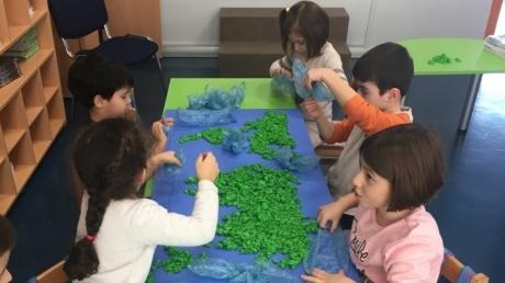 Halkalı Okul Öncesi Ay Grubu Öğrencileri Proje Dersinde