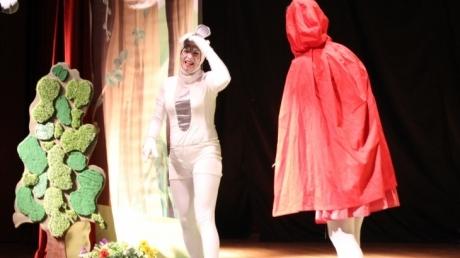 Halkalı Okul Öncesi Öğrencileri ''Rabbit and Tortoise'' İsimli İngilizce Tiyatro Oyunu'nu İzlediler.