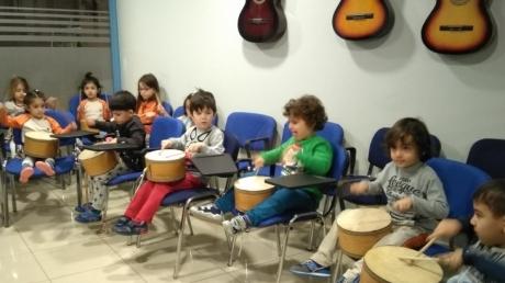 Halkalı Okul Öncesi Yunuslar Grubu Öğrencileri Müzik Dersinde.