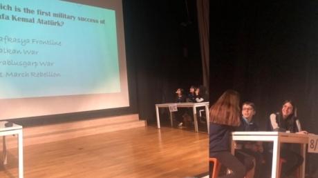 """Kemerburgaz Kampüsü Ortaokul Kademesi 8.Sınıflar arası """"Quiz Show"""" Etkinliği"""