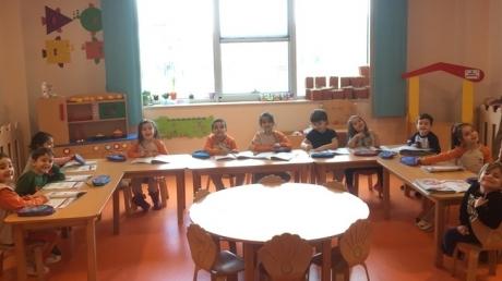 Kemerburgaz Okyanus Koleji Yunuslar Grubu Okuma Yazmaya Hazırlık Dersinde 'Sert-Yumuşak' Kavramlarını Öğreniyor