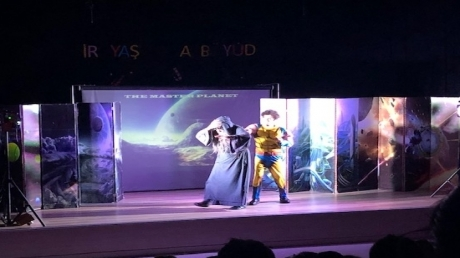 Mimaroba Okyanus Ortaokulunda İngilizce tiyatro şenliği