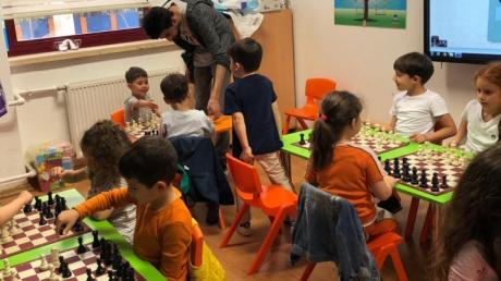 Bahçelievler Okul Öncesi Deniz Yıldızı Grubu Satranç Eğitiminde