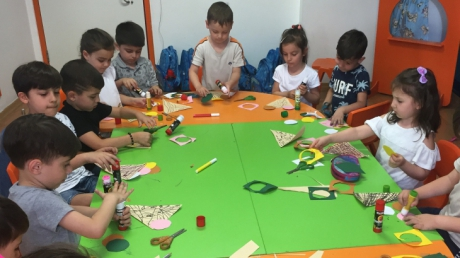 Bahçelievler  Okyanus Koleji Okul Öncesi Deniz Yıldızı Grubu Sanat Eğitiminde