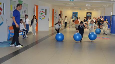 Beykent Okyanus Koleji İlkokul Kademesi Öğrencileri Koridor Etkinlikleri