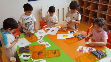 Beykent Okyanus Koleji Okul Öncesi Balıklar Grubu Öğrencileri Sanat  Etkinliğinde