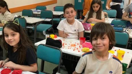 Beylikdüzü Okyanus Koleji ''3.Sınıf Öğrencileri Geometrik Cisim Tasarımı''