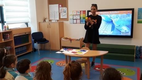 Bornova Okyanus Anaokulu Kuşlar Sınıfı Öğrencilerimiz Velimiz Özlem Atan ile Aile Katılımı Etkinliği Gerçekleştirdiler