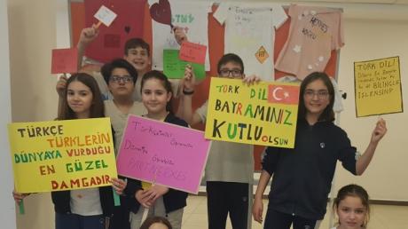 Bornova Okyanus Kolejinde Türkçe Rüzgarı Esti