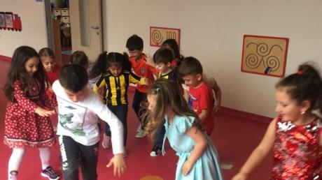 Çekmeköy Okyanus Koleji, Okul Öncesi Gökkuşağı Grubu Play Time Dersinde