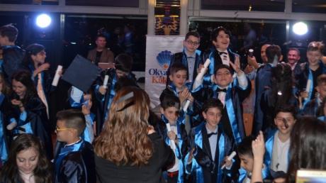 """Fatih Okyanus Koleji """" İlkokula Veda, Ortaokula Merhaba"""" gecesi düzenlendi."""