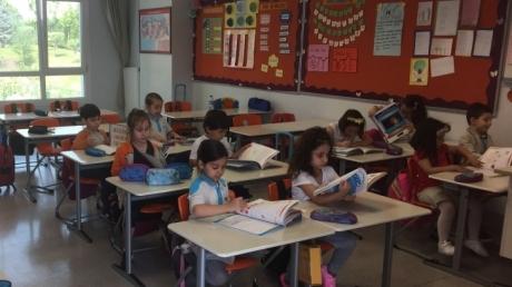 Halkalı Okul Öncesi Ay Grubu Öğrencileri Okuma Yazmaya Hazırlık Dersinde