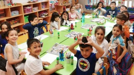Halkalı Okul Öncesi Güneş Grubu Öğrencileri Sanat Etkinliğinde.