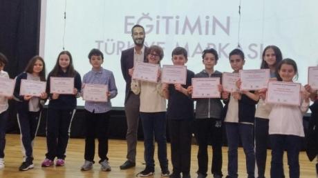 Ortaokul Kademesi 5. Sınıf Öğrencileri İngilizce Konuşma Sınavı Sertifika Töreninde Buluştu.