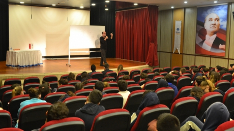 Mavişehir Okyanus Koleji 7. Sınıf Öğrencileri Ünlü Çizer Behzat Taş İle Buluştu