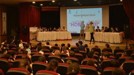 """Mavişehir Okyanus Koleji Ortaokul Kademesi """"Hobiler ve Fobiler"""" Etkinliğini Gerçekleştirdi"""
