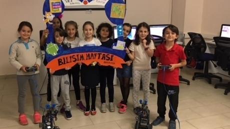 Mimarsinan Okyanus İlkokulu ve Ortaokulu Bilişim Haftasını Coşkuyla Kutladı..