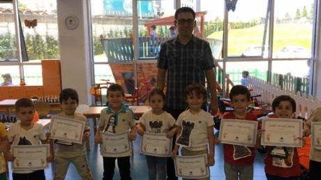 Okul Öncesi Öğrencileri Satranç Turnuvası Yaparak Son Derslerini Tamamladı
