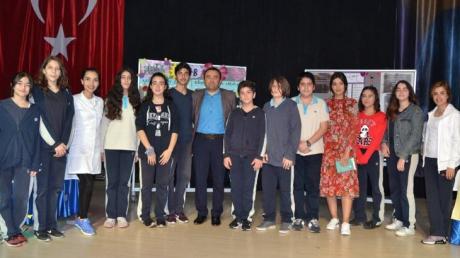 7. Sınıflar Arasında Yapılan Münazara Yarışması Finalinde 7/B ve 7/C Sınıfı Yarıştı
