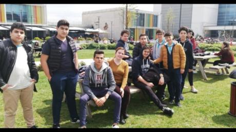 Avcılar Okyanus Koleji Mühendislik Kariyer Kulübü öğrencileriyle Özyeğin Üniversitesini ziyaret etti.