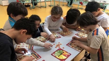 """Bahçeşehir Üstün Zekâlılar ve Yetenekliler İlkokulu 3. Sınıf Esnek Öğrenme Grubu """"Kaçta Kaç Pizza?"""" Etkinliğinde"""