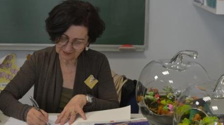 Bahçıvan Köstebek ve Uçan Karınca Kıvırcık adlı kitabın yazarı Aysun Berktay Özmen Halkalı Okyanus Koleji'nde