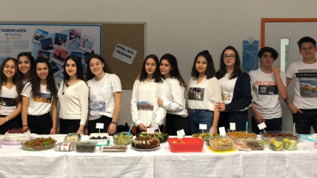 Beykent Okyanus Anadolu Lisesi öğrencileri Coğrafya dersinde 16 Nisan salı günü turizm ve kültür etkinliği gerçekleştirdi.