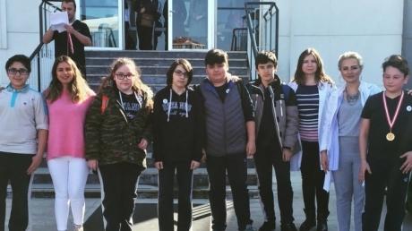 Ortaokul Kademesi Öğrencilerinden Mart Ayı  'STAR OF THE MONTH' ları şeçildi.