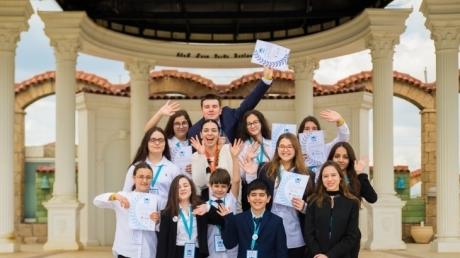 Bornova Okyanus Koleji Öğrencileri 2. O'MUN Konferansında
