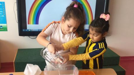 Çekmeköy Okyanus Koleji Okul Öncesi Gökkuşağı Grubu Fen ve Matematik Etkinliğinde
