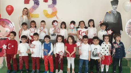 Eryaman Okyanus Koleji Okul Öncesi Kademesi 23 Nisan Kutlamasında