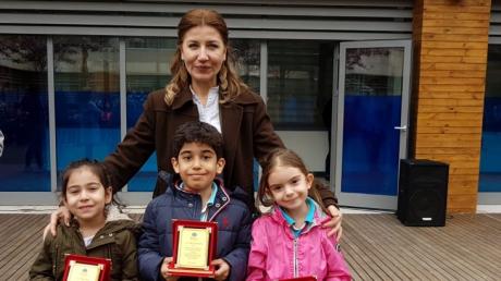 Fatih Okyanus Kolejinde Mart ayı örnek öğrencileri seçildi