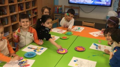 Halkalı Okul Öncesi Kuşlar Grubu Öğrencileri Sanat Etkinliğinde