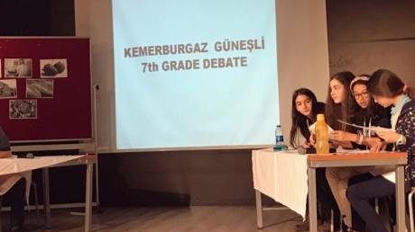 """Kemerburgaz ve Güneşli Okyanus Koleji 7. sınıflar arası """"Debate"""" İngilizce Münazara etkinliği düzenlendi."""