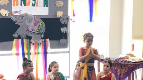 Mavişehir Okyanus Koleji Okul Öncesi Çiçekler Grubu Hindistan'a Hoş Geldiniz Etkinliğinde