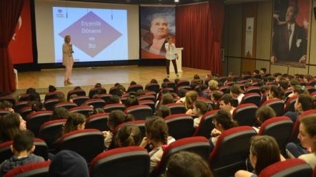 """Mavişehir Okyanus Koleji Ortaokul Kademesi """"Ergenlik ve Biz"""" Seminerinde"""
