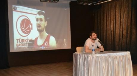 Milli Basketbolcu Birkan BATUK Okulumuzu Ziyaret Etti