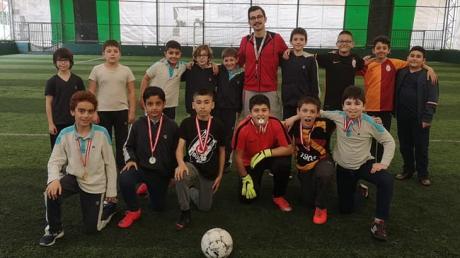 Sportif Kulüpler Ligi organizasyonunda Dereceye Giren Öğrencilere Madalya Takdimi...