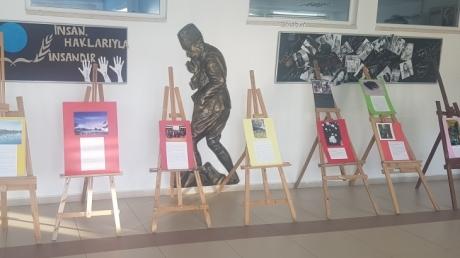 """Adana Okyanus Anadolu Lisesinde """"Her Fotoğrafın Bir Hikayesi Var"""" Etkinliği"""