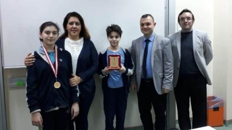 Beylikdüzü Okyanus Ortaokulu Aralık Ayı Örnek Öğrenci ve LGS Öğrencilerine Madalyaları Verildi