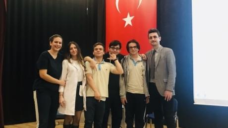 Bornova Okyanus Anadolu Lisesi True-False yarışası