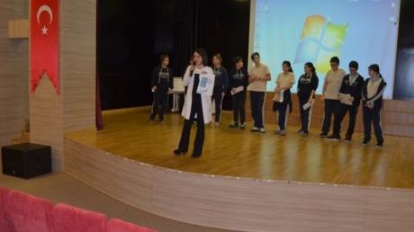 Kişisel Gelişim Dersi 7. ve 8. Sınıf Öğrencileriyle Devam Ediyor.