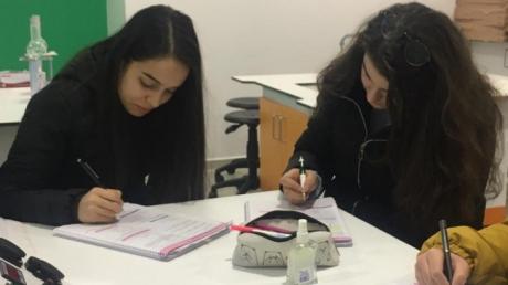 Lara Okyanus Koleji 11.Sınıf Öğrencileri Kimya Laboratuarında