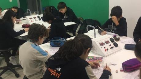 Lara Okyanus Koleji Ortaokul Kademesi Öğrencilerimizin Laboratuvar Uygulama Sınavı (LUS)