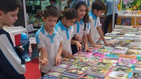 Lara Okyanus Koleji Ortaokulu Kademesi Kitap Fuarı'nda