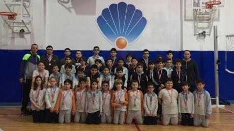 Nilüfer Okyanus Kolejinde Basketbol Şampiyonları Madalyalarına Kavuştular