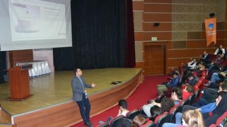 11. ve 12. Sınıf Öğrencilerine Yurtdışı Eğitim Semineri Yapıldı