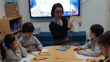 Adana Okyanus Koleji Okul Öncesi Yıldızlar Grubu İngilizce Dersinde